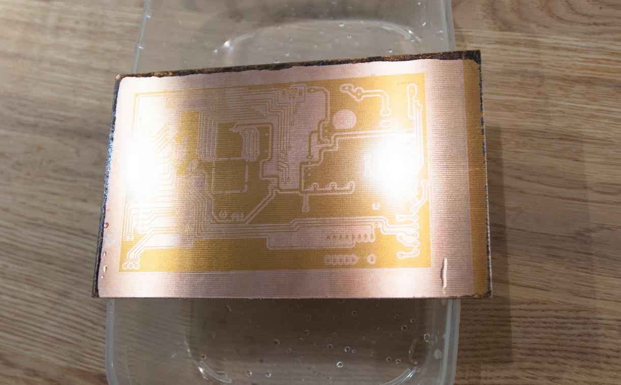 Naświetlona i wywołana płytka testowa