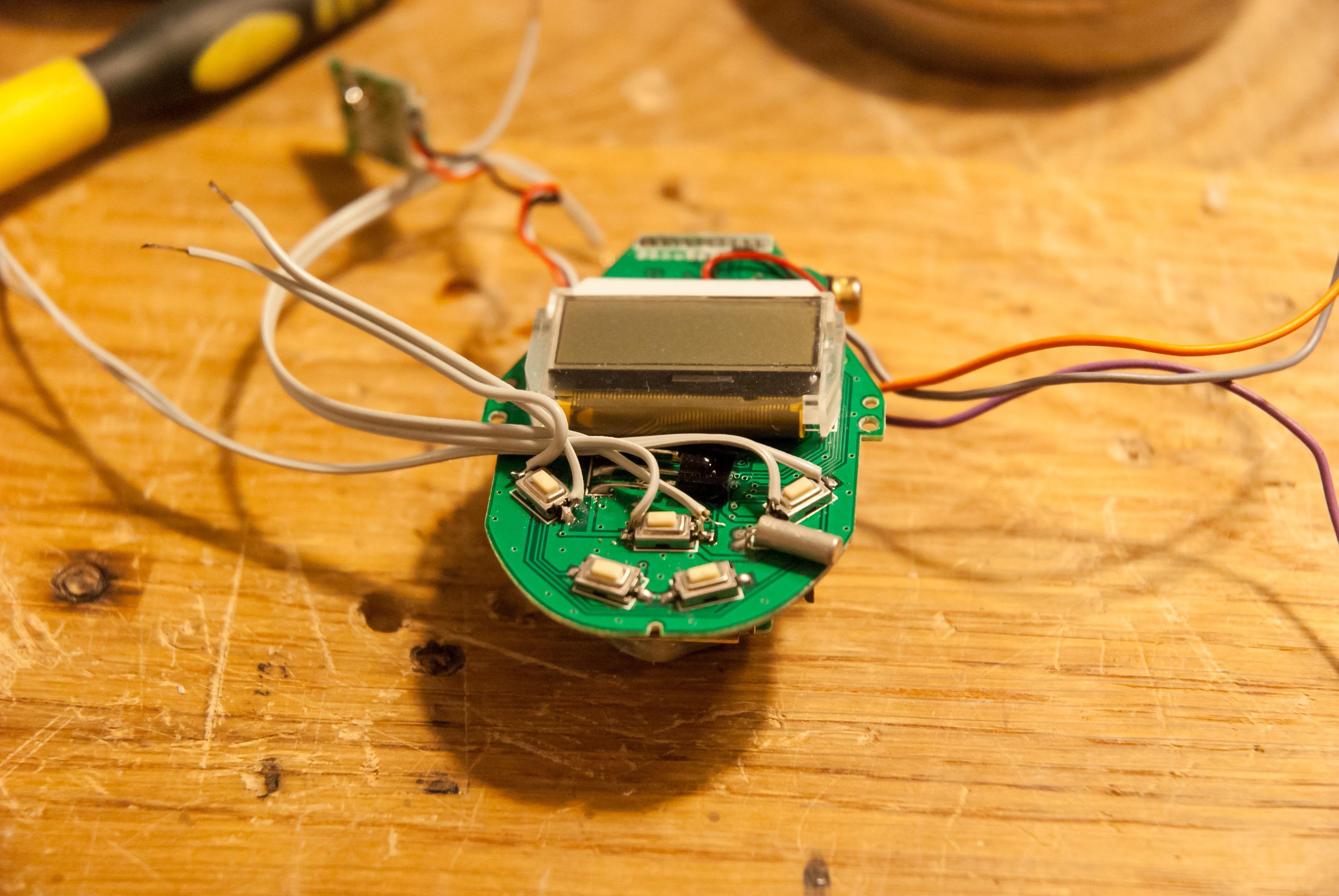 Wyprowadzenia sygnałów przycisków mp3'ki